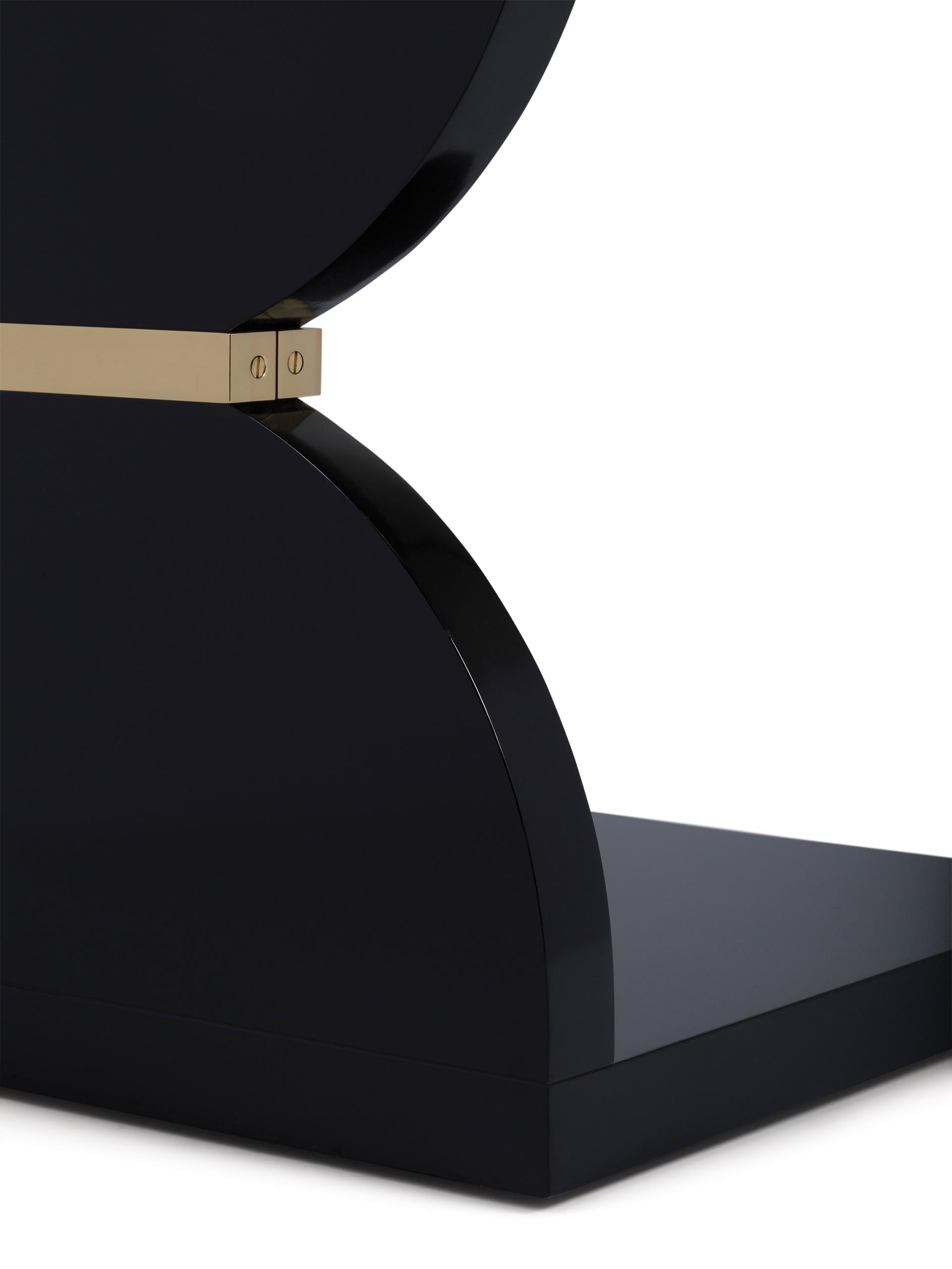 Black Lacquer Detail