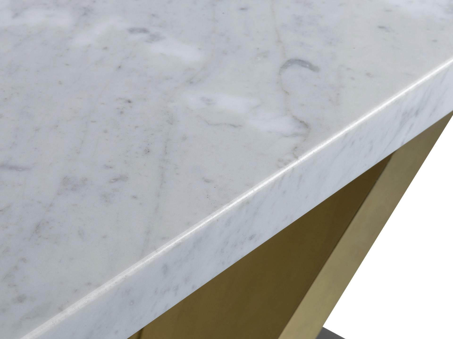 Detail, Stone Top